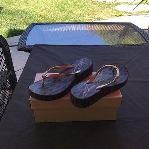 NWT Michael Kors Bedford Flip Flops